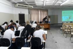 notícia - Projeto E Agora José? trabalha orientação profissional de alunos do IE