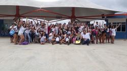 notícia - Alunos da Escola Miguel Omar Barreto tem um dia diferente no Parque Aquático